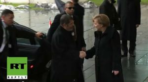 Morsi dan Angela Merkel 3
