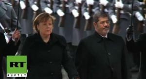 Morsi dan Angela Merkel 8